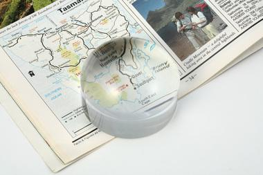 2 INCH PAPERWEIGHT DOME MAGNIFIER 4 X MAGNIFICATION